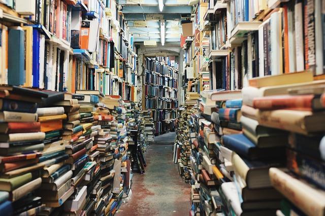 Buku Bekas, antara Amal atau Dijadikan Uang